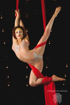 Ato: Aerial Contortion in Silk (Quidam)