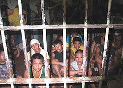 Crianças detidas