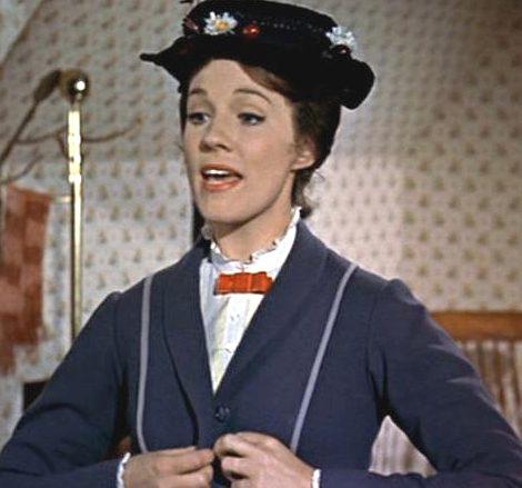 Julie Andrews vive uma babá sobrenatural em Mary Poppins